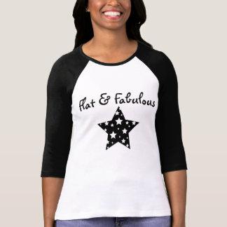平らで及びすばらしいraglan tシャツ