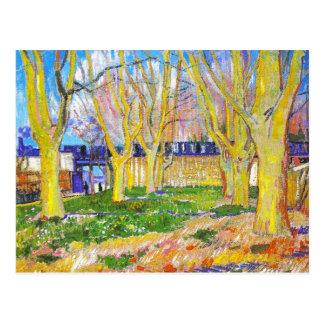 平らな木の道はVincenによってArlesの場所に近づきます ポストカード