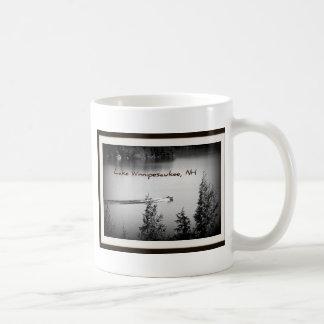 平らな水湖Winnipesaukee コーヒーマグカップ