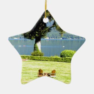 平和および喜びのカヤック湖のquinault湖は水をまきます セラミックオーナメント