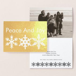 平和および喜びの雪片の金ゴールドのモダンで素朴な写真 箔カード