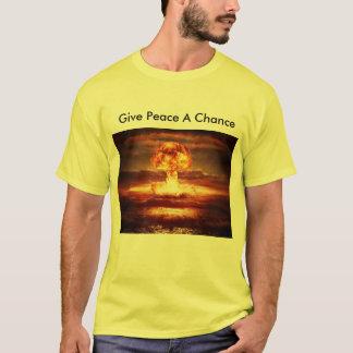 平和にチャンスを与えて下さい Tシャツ