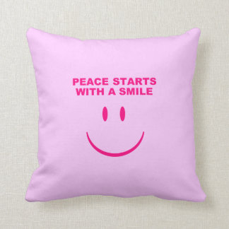 平和スマイルの枕 クッション