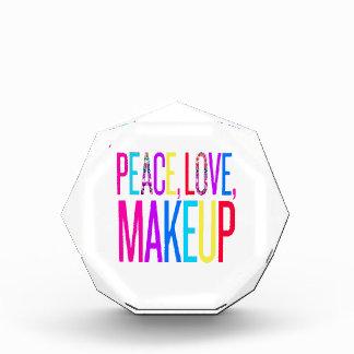 平和、愛および化粧 表彰盾