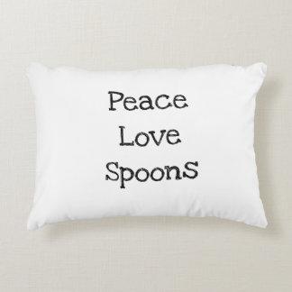 平和、愛は、枕をスプーンでつぎます アクセントクッション