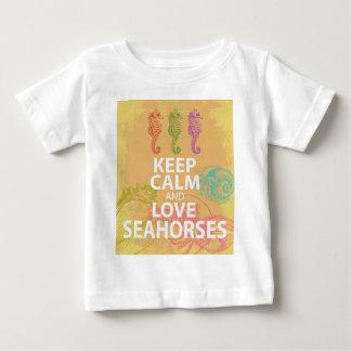 平静および愛タツノオトシゴのギフトの元のデザインを保って下さい ベビーTシャツ