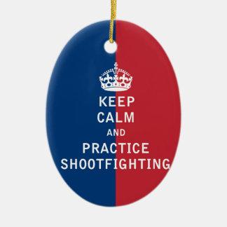平静および練習Shootfightingを保って下さい セラミックオーナメント