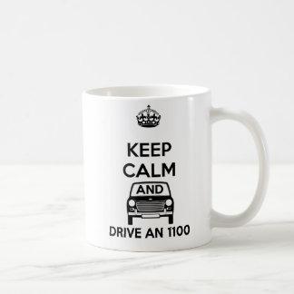 平静を保ち、オースティンMorris 1100のマグを運転して下さい コーヒーマグカップ
