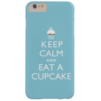 平静を保ち、カップケーキを食べて下さい{青い} BARELY THERE iPhone 6 PLUS ケース
