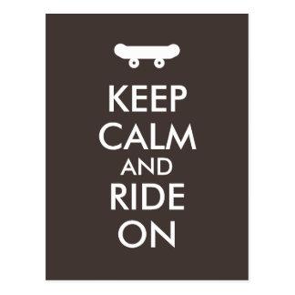 平静を保ち、スケートボードをするライダーのカスタムで乗って下さい はがき