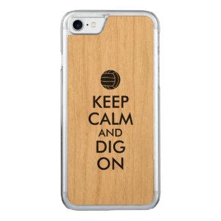平静を保ち、バレーボールのスポーツの恋人で掘って下さい CARVED iPhone 8/7 ケース
