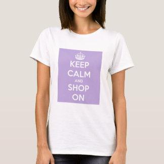 平静を保ち、ラベンダーで買物をして下さい Tシャツ
