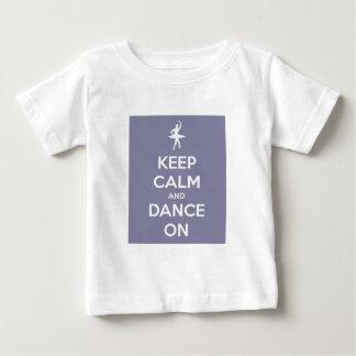 平静を保ち、ラベンダーで踊って下さい ベビーTシャツ