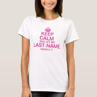"""平静を保ち、""""名字""""のハンドルをそれピンク許可して下さい Tシャツ"""