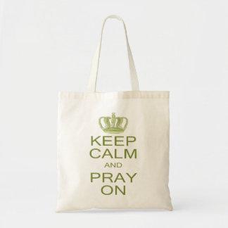 平静を保ち、王冠との春の緑で祈って下さい トートバッグ