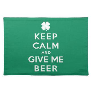 平静を保ち、私にビールを与えて下さい ランチョンマット