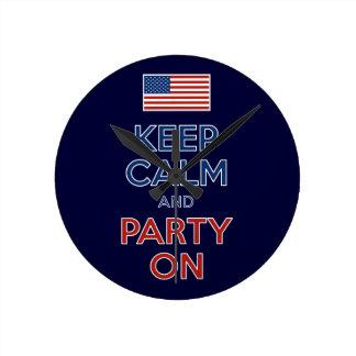 平静を保ち、米国の旗で7月第4パーティを楽しんで下さい ラウンド壁時計