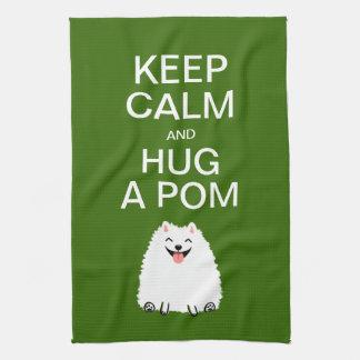 平静を保ち、Pom -おもしろいで白いポメラニア犬--を抱き締めて下さい キッチンタオル