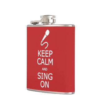 平静を保って下さい及びカスタムなフラスコで歌って下さい フラスク