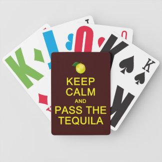 平静を保って下さい及びカードを遊ぶテキーラを渡して下さい バイスクルトランプ
