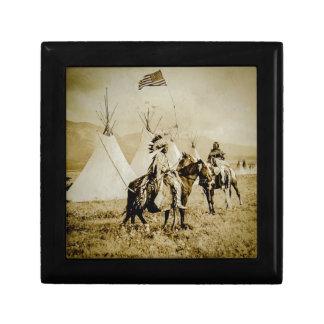 平頭のインディアンのヴィンテージのネイティブアメリカンの戦士 ギフトボックス