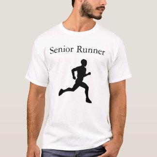 年長のランナー Tシャツ