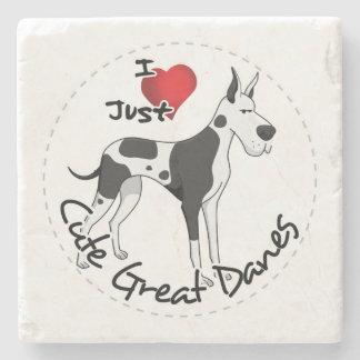 幸せで愛らしくおもしろいで及びかわいいグレートデーン犬 ストーンコースター