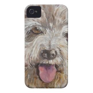 幸せで毛深いハウンドドッグ Case-Mate iPhone 4 ケース