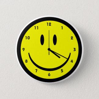 幸せで腰回りが大きな顔の時計 5.7CM 丸型バッジ