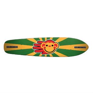 幸せで赤い猿のスマイリーフェイス スケートボード