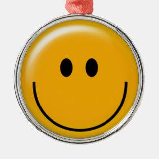 幸せで黄色いスマイリーフェイスの円のオーナメント シルバーカラー丸型オーナメント