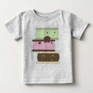 幸せなアイスクリームサンドイッチ ベビーTシャツ