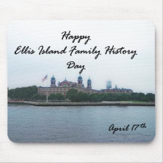 幸せなエリス島の家系歴日4月17日 マウスパッド