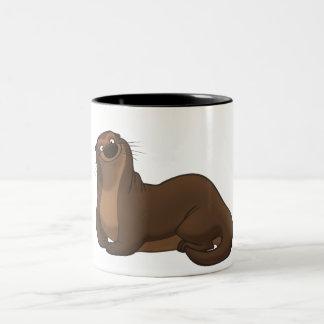 幸せなカワウソのマグ ツートーンマグカップ