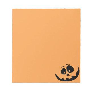 幸せなジャックO」-ランタンのカボチャ-カスタマイズ ノートパッド