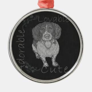 幸せなスパニエル犬のかわいいチョークのスケッチ メタルオーナメント