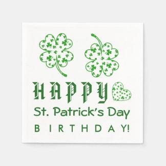 幸せなセントパトリックの日の誕生日のシャムロックA03A スタンダードカクテルナプキン
