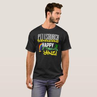 幸せなセントパトリックの日のYinzのTシャツ Tシャツ