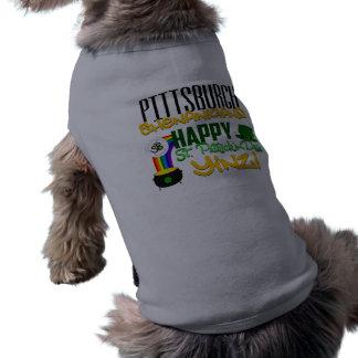 幸せなセントパトリックの日のYinzペットタンクトップ ペット服