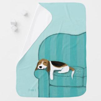 幸せなソファのビーグル犬 かわいい犬 ベビー ブランケット