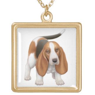 幸せなバセットハウンド犬のネックレス ゴールドプレートネックレス