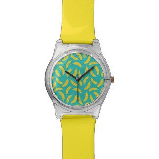 幸せなバナナのかわいいフルーツパターン 腕時計