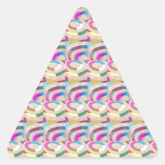 幸せなピンクアークパターン: ギフトユニークなパターンおもしろい 三角形シール
