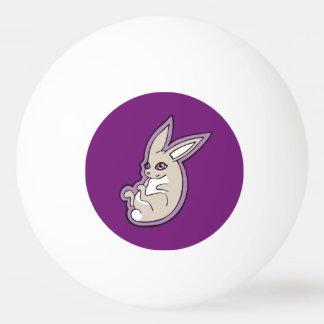 幸せなラベンダーのウサギのピンクの目インクスケッチのデザイン 卓球ボール