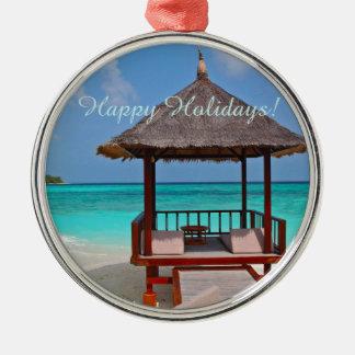 幸せな休日の美しいモルディブの島 メタルオーナメント