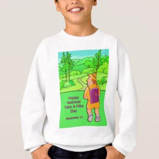 幸せな国民はハイキング日11月17日を取ります スウェットシャツ
