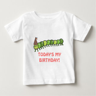 幸せな幼虫のイラストレーションの誕生日 ベビーTシャツ
