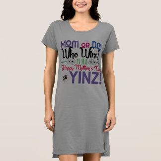 幸せな母の日のYinzのTシャツの服 ドレス