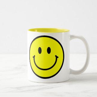 幸せな顔のコーヒー・マグ ツートーンマグカップ