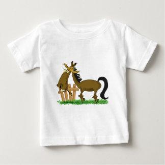 幸せな馬 ベビーTシャツ